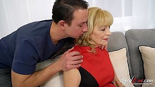 Brazzers xxx: Horny coach seduces hot chicks hardcore sex