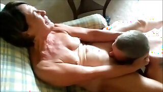 Brazzers xxx: Mature lady receiving oral sex