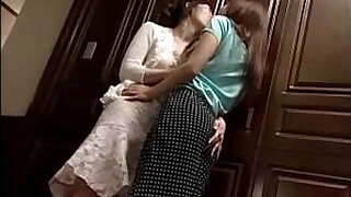 Brazzers xxx: Girls Kissing Passionately At The Door