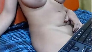 Brazzers xxx: Desi aunty sitting in sofa and showing in skype