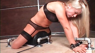 BDSM blonde amateur girl fucked with a sex machine - 6098