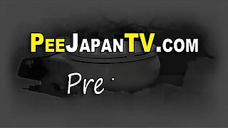 Brazzers xxx: Real japan teen peeing