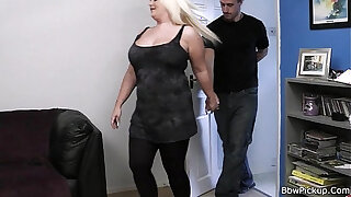 Brazzers xxx: He bangs lovely blonde bbw at first date