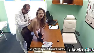 Brazzers xxx: Glamorous doctor gets pussy drilled by an agile fuckmate