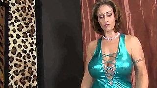 Brazzers xxx: Big Titty Step Mom Handjob