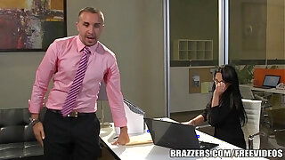 Brazzers xxx: Alektra Blue is one hot secretary