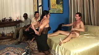 Brazzers xxx: Milf in gang bang, anal, double penetration and cumshot in the face!!!