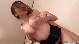 Brazzers xxx: Office Lady With Huge natural Tits Sucking Cocks Fucked By Guys In The Empty Room