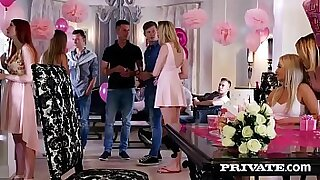 Brazzers xxx: Alexis Crystal sucks big dick in Code Blue orgy