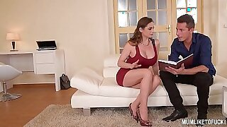 Brazzers xxx: double penetration of my mom after threesome
